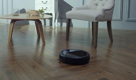 扫地机器人是家庭主妇的好帮手